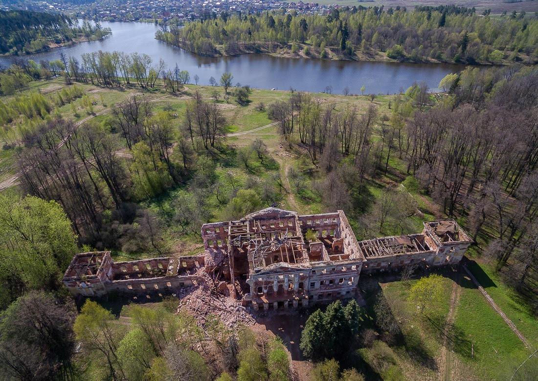 Бродилки по аукционному центру: Как заработать на руинах или Покупаем строительный антиквариат